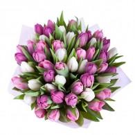 корзины с тюльпанами
